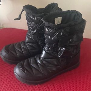 North face Thermoball boots